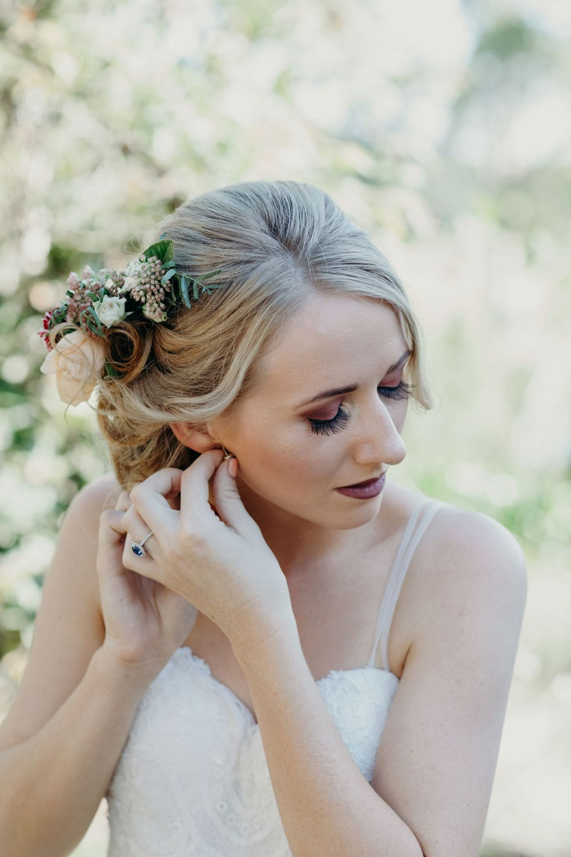 Romantic Byron Bay Bride getting ready in Newrybar by Cloud Catcher Studio